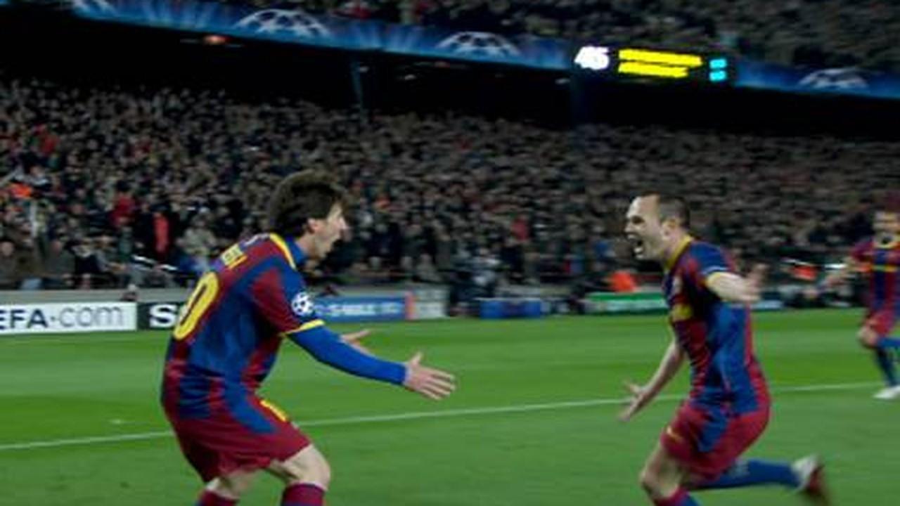 Olha o Arsenal vítima mais uma vez. Dessa vez Messi deu um chapéu absurdo no goleiro Almunía nas oitavas de final de 2011