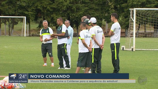 """Mauro Fernandes comanda """"time desconhecido"""" em primeiro treino na Caldense"""