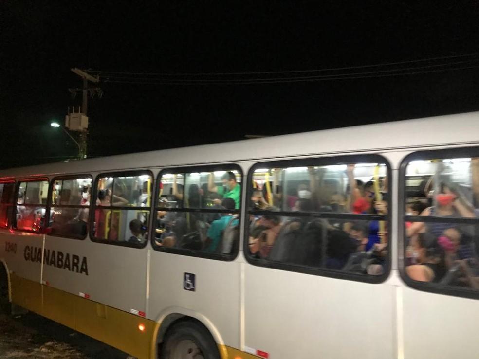 Ônibus lotados em Natal — Foto: Geraldo Jerônimo/Inter TV Cabugi
