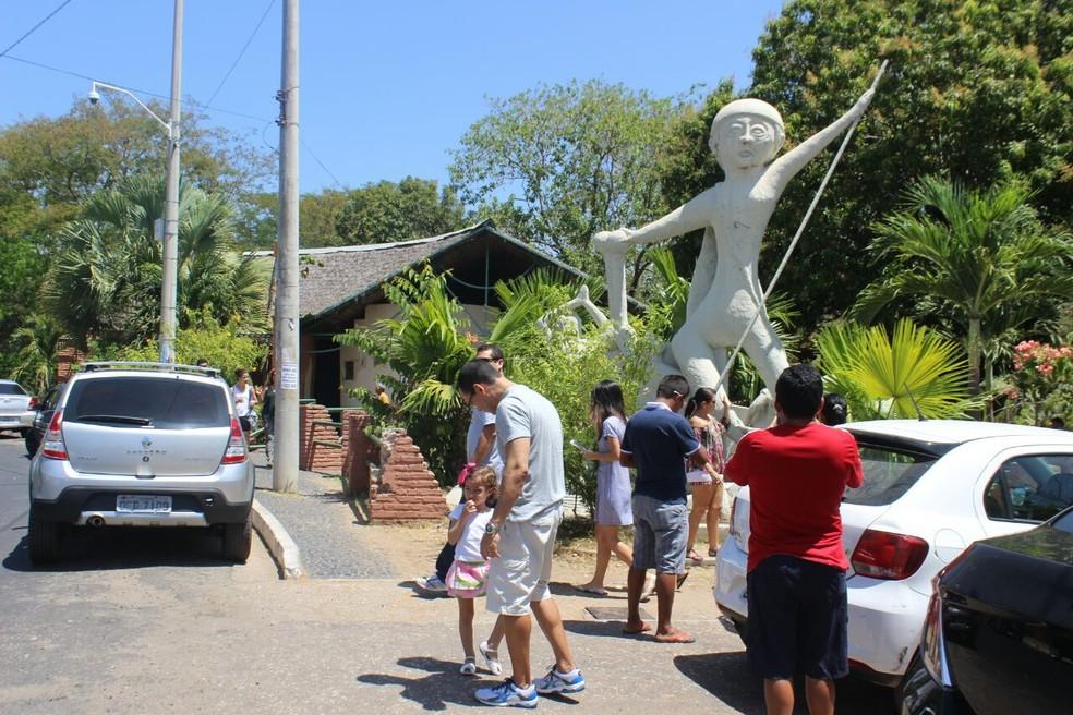 Encontro dos Rios, no bairro Poti Velho registrou intensa movimentação (Foto: Fernando Brito/G1)