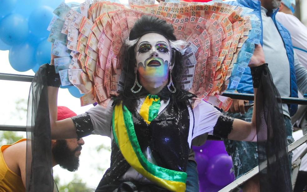 Fantasias tomaram conta da Avenida Paulista durante a Parada LGBT (Foto: Luis Cleber/Estadão Conteúdo)