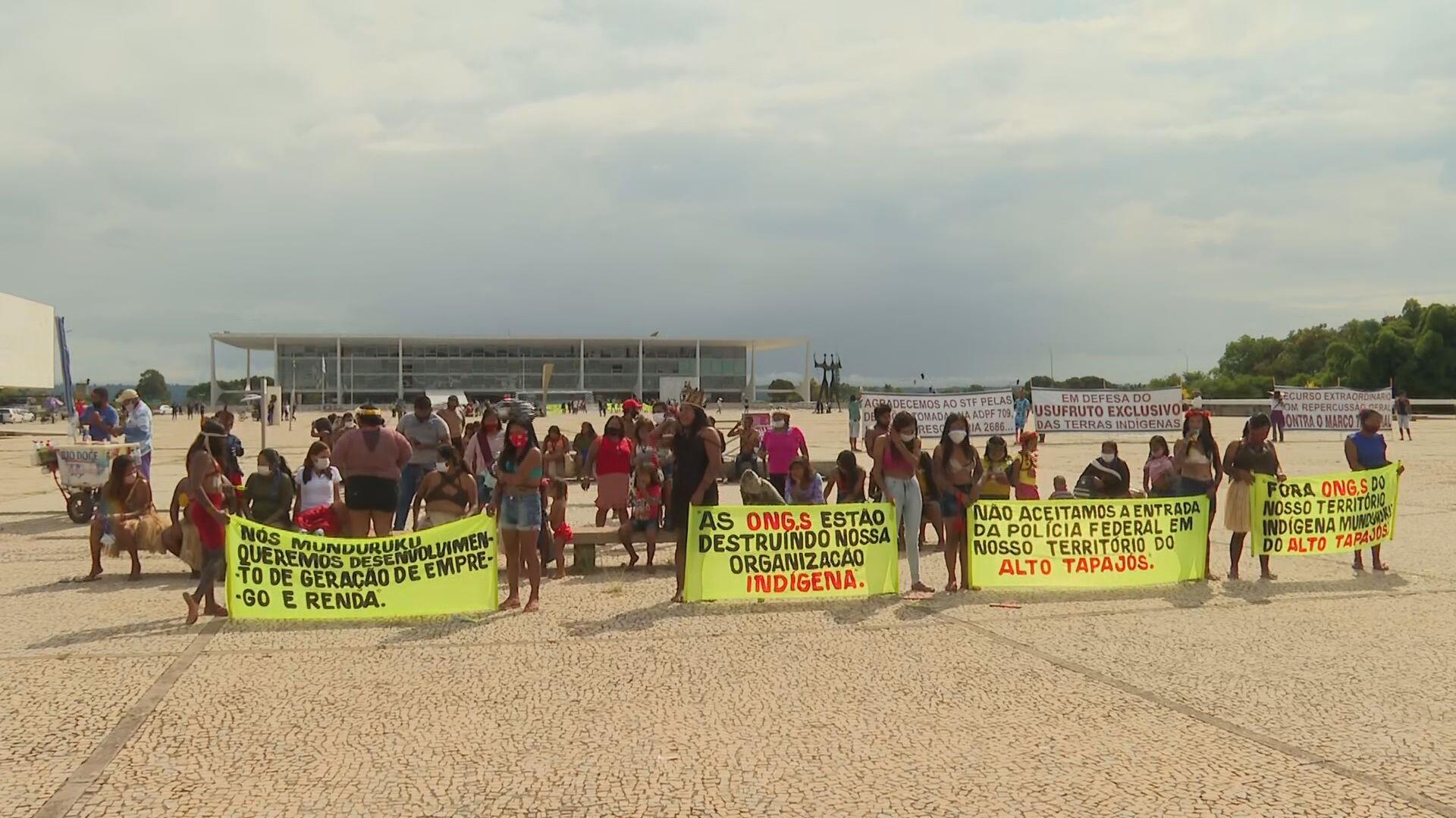 Indígenas protestam em Brasília pela proteção de terras tradicionais