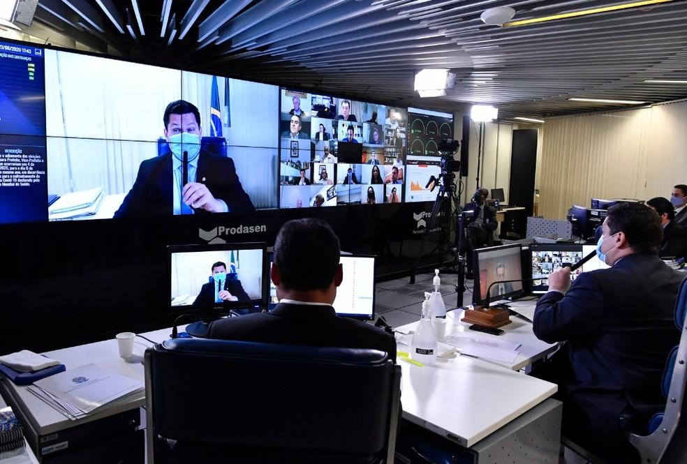 Senadores discutem em sessão remota PEC que adia eleições municipais deste ano — Foto: Waldemir Barreto/Agência Senado