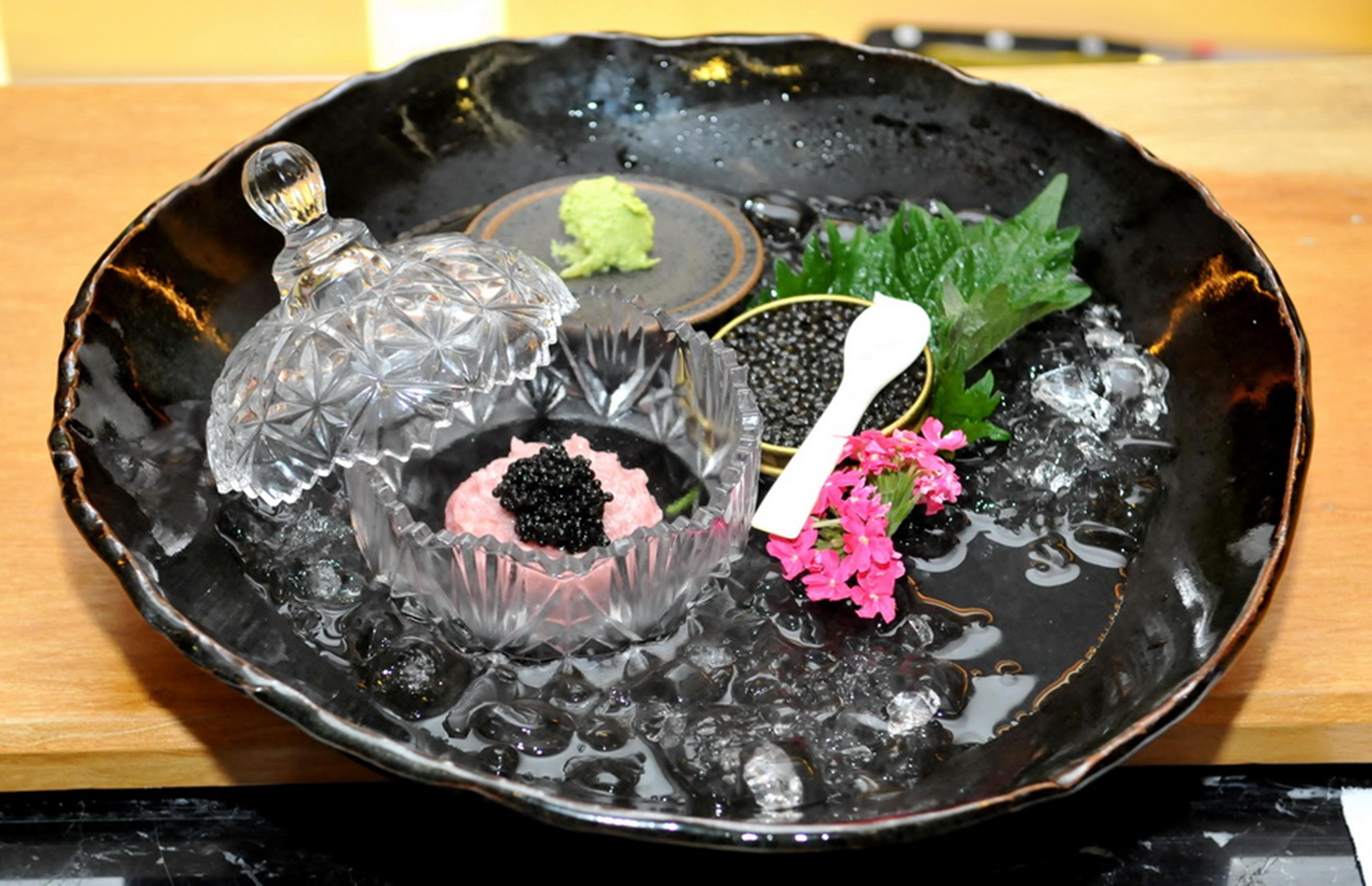 Tartare blue fin tuna e caviar beluga  (Foto: Cassiano de Souza / Divulgação)