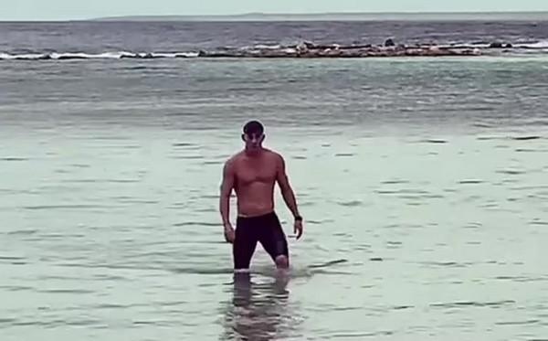 Channing Tatum posta nude com emoji em lugar estratégico