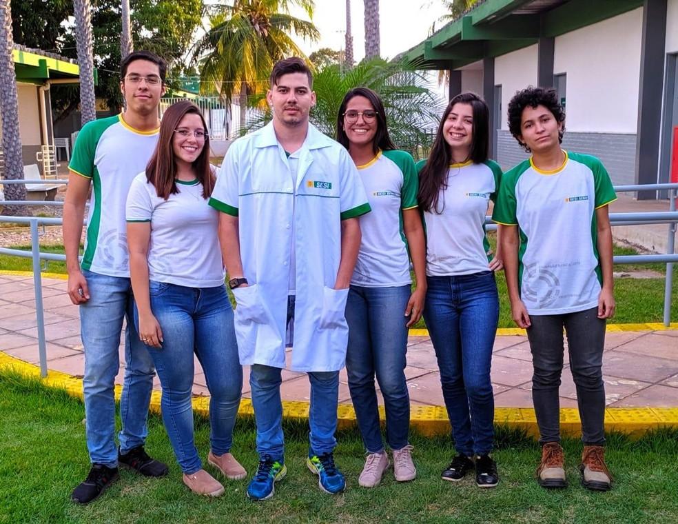 Professor Aryon Charlon Diniz Soares tem usado a tecnologia para atrair alunos a aprenderem o conteúdo — Foto: Divulgação
