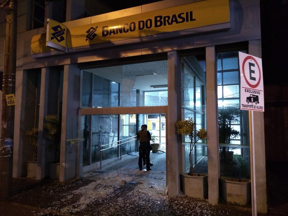 Agência do Banco do Brasil também foi arrombada pelos criminosos em Frutal — Foto: Samir Alouan/Pontal Online/Divulgação