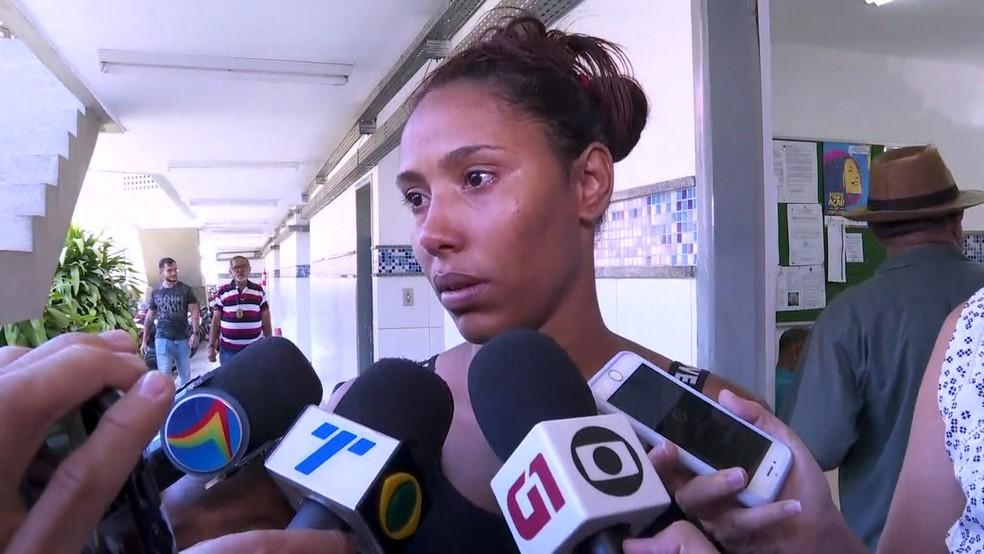 Mãe das crianças, Géssica Maria do Nascimento estava cuidando de um parente idoso quando os filhos foram assassinados — Foto: Reprodução/TV Globo