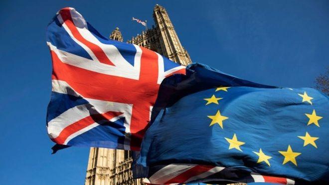 Em junho de 2016, eleitores britânicos votaram a favor da saída do Reino Unido da União Europeia, o Brexit (Foto: Getty Images via BBC News Brasil)