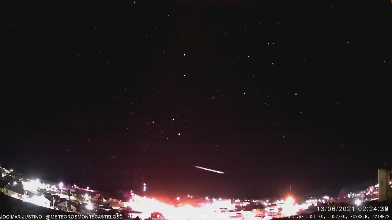 Meteoro de longa duração é observado em SC; VÍDEO