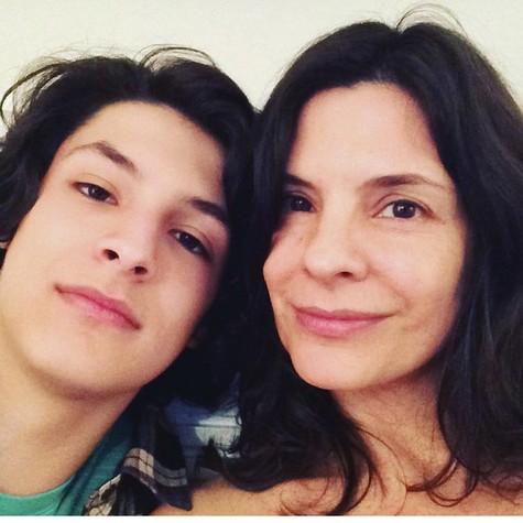 Helena Ranaldi e o filho, Pedro (Foto: Reprodução/ Instagram)