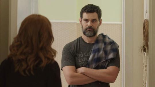 Rafael aparece na casa de Gabriela: 'Será que a gente pode conversar?'