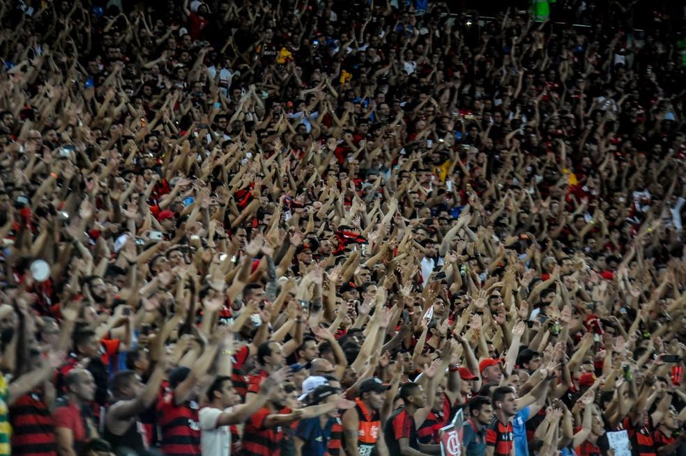 Torcida do Flamengo em festa no Maracanã — Foto: NAYRA HALM/FOTOARENA/ESTADÃO CONTEÚDO