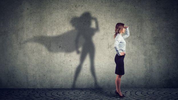 A capacidade de uma pessoa tem relação com a confiança dela em si mesma? (Foto: Getty Images via BBC News)
