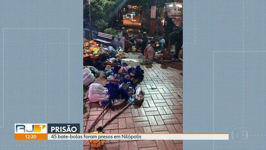 Polícia prende bate-bolas armados dentro de ônibus em Nilópolis