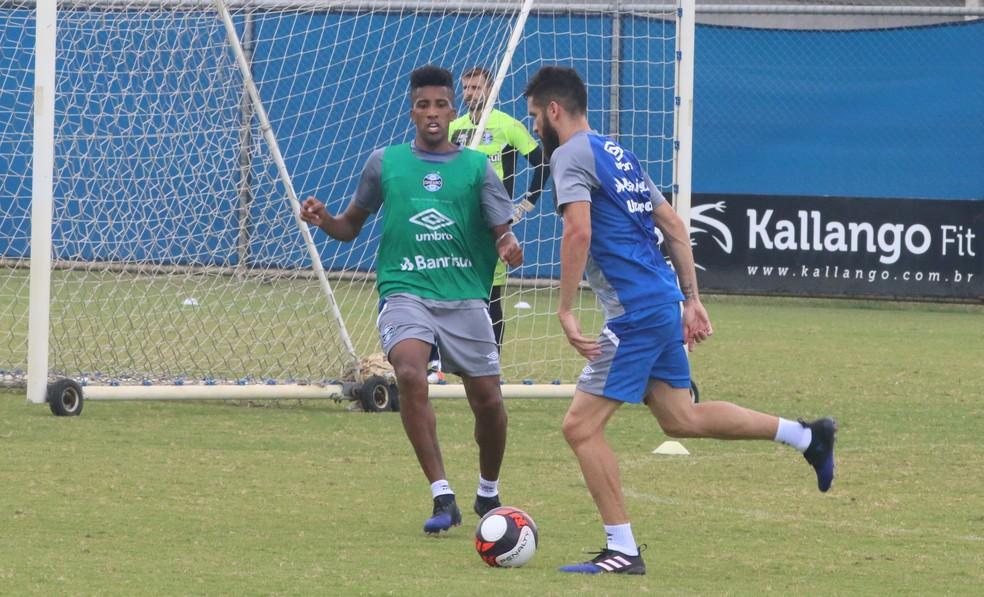 c446a87551 ... Bruno Cortez e Marcelo Oliveira podem não ter condições de jogo no  domingo — Foto