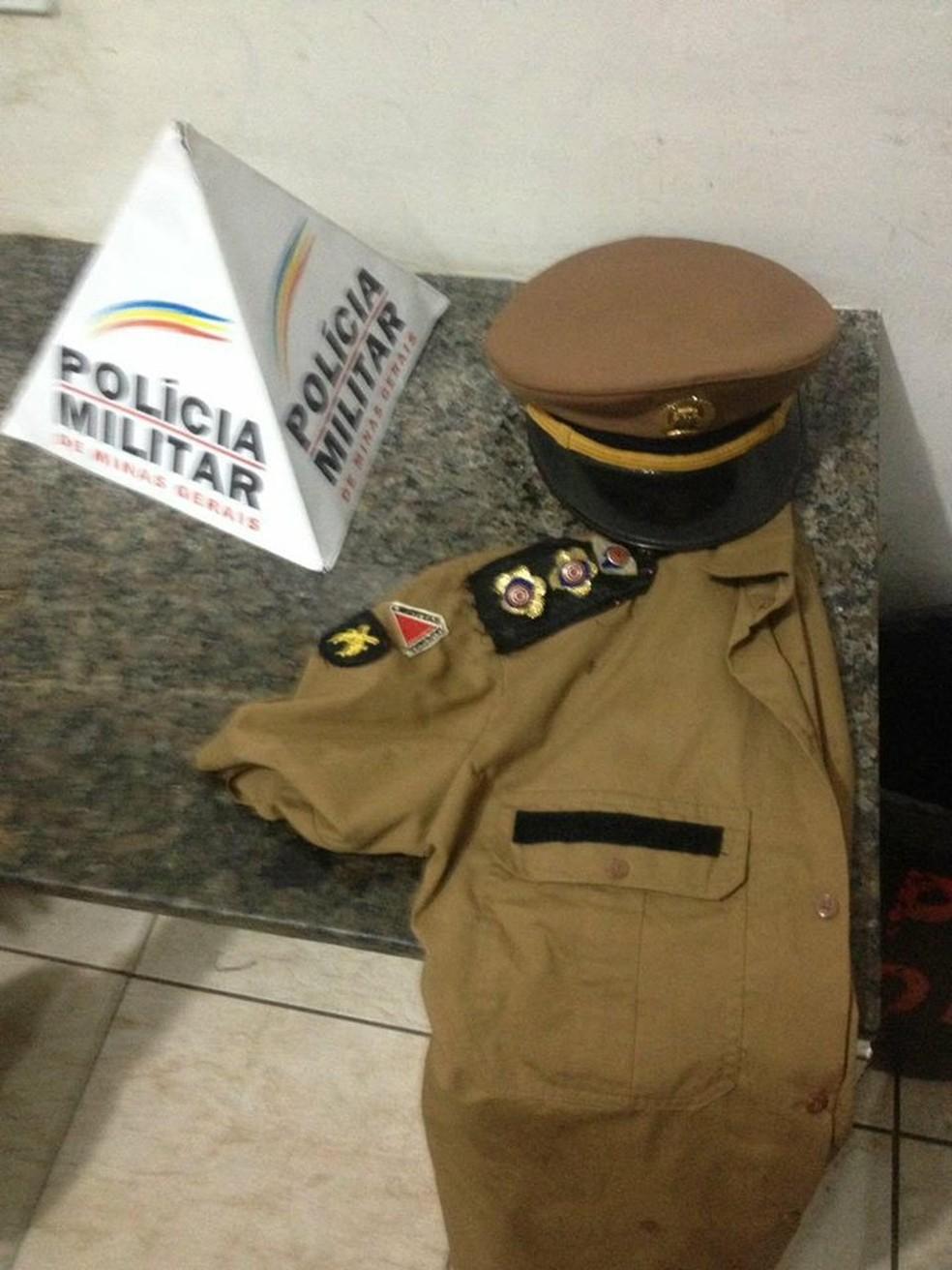 4a5d7578ed30d ... Farda da Polícia Militar era usada por foliã em Juiz de Fora — Foto   Polícia