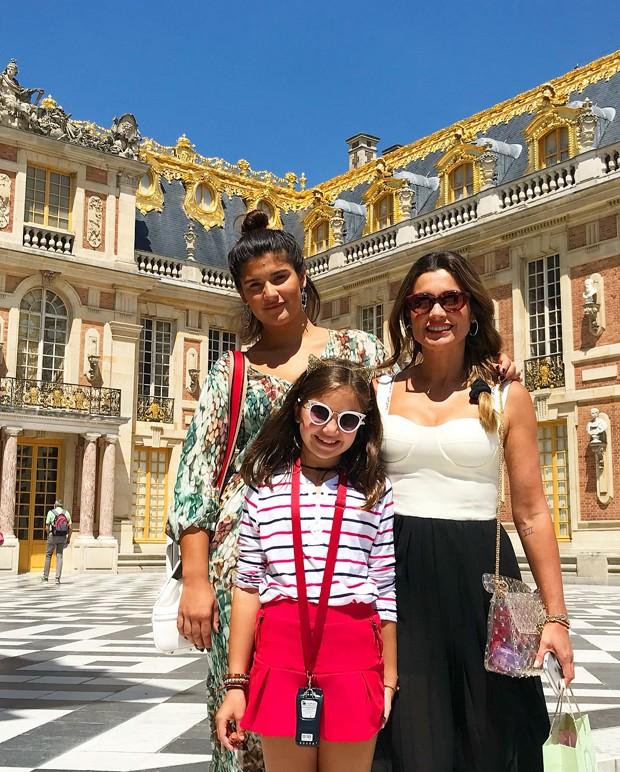 Flávia Alessandra com as filhas (Foto: Reprodução/Instagram)