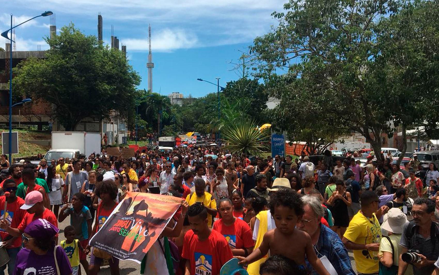 Grupo faz ato no Fórum Social Mundial, em Salvador, após assassinato da vereadora Marielle Franco