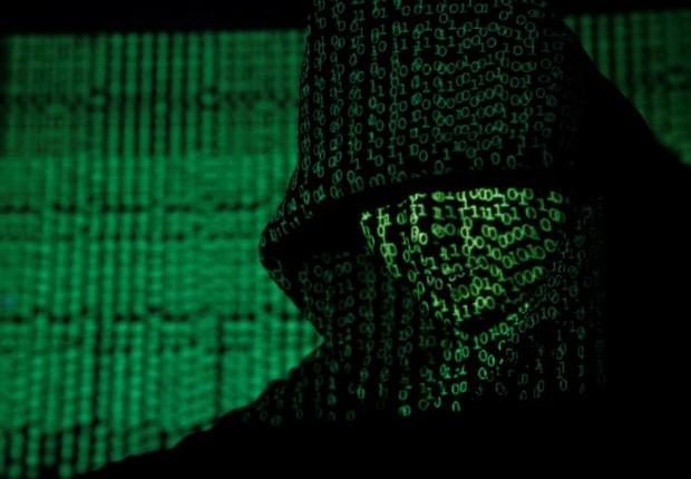 projeção códigos cibernéticos cibersegurança hackers ataque virtual hacker internet  (Foto: Kacper Pempel/Illustration/Reuters)