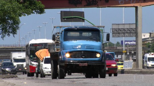Governo anuncia crédito de R$ 30 mil para caminhoneiros autônomos e investimento de R$ 2 bi em rodovias