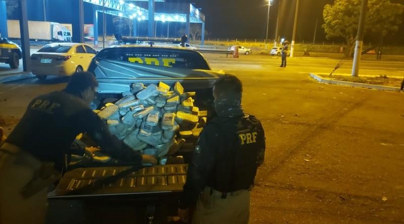 Motorista de caminhão é preso em MT com 400 kg de pasta base de cocaína em compartimento adaptado