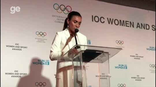 """Marta é aplaudida de pé em cerimônia para mulheres na ONU: """"Preconceito e a falta de oportunidade já me doeram"""""""