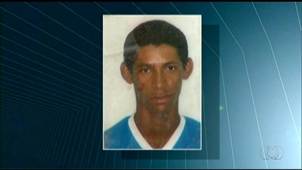 Suspeito de estuprar mulher é morto ao tentar fugir da polícia (Foto: TV Anhanguera/Reprodução)
