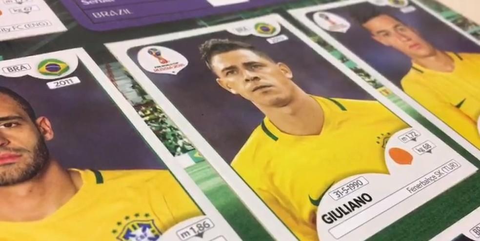 Figurinha de Giuliano extá certa no álbum da Copa do Mundo de 2018 (Foto: Reprodução)
