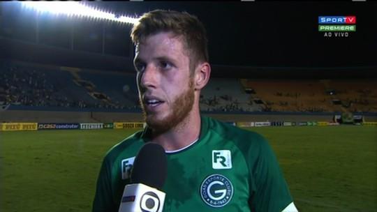 """Decisivo, Aylon exalta gol e evolução do Goiás: """"Todos crescendo junto com o time"""""""