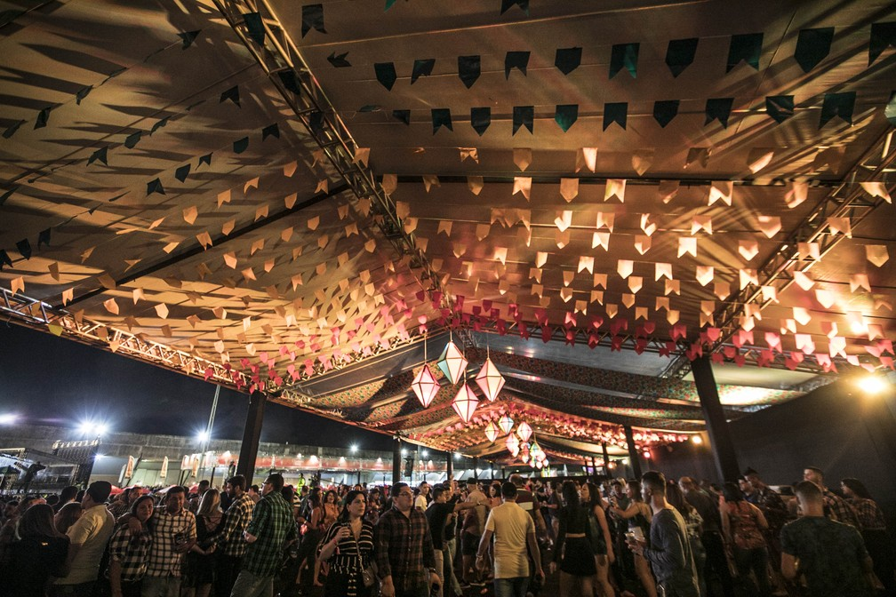 Decoração junina do São João da Capitá deu o clima de festa no interior (Foto: Charles Johnson/Divulgação)