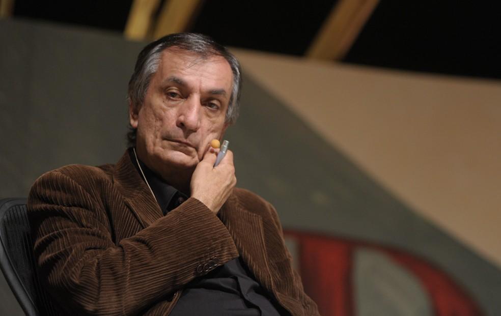 4 de julho - O poeta Antonio Cicero durante a abertura da Flip em Paraty (Foto: Flavio Moraes/G1)