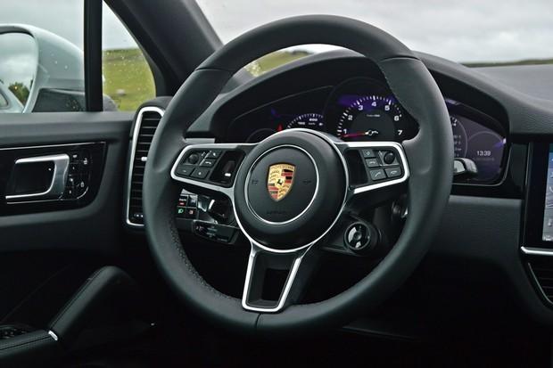 Porsche Cayenne Coupe  (Foto: André Schaun/Autoesporte )