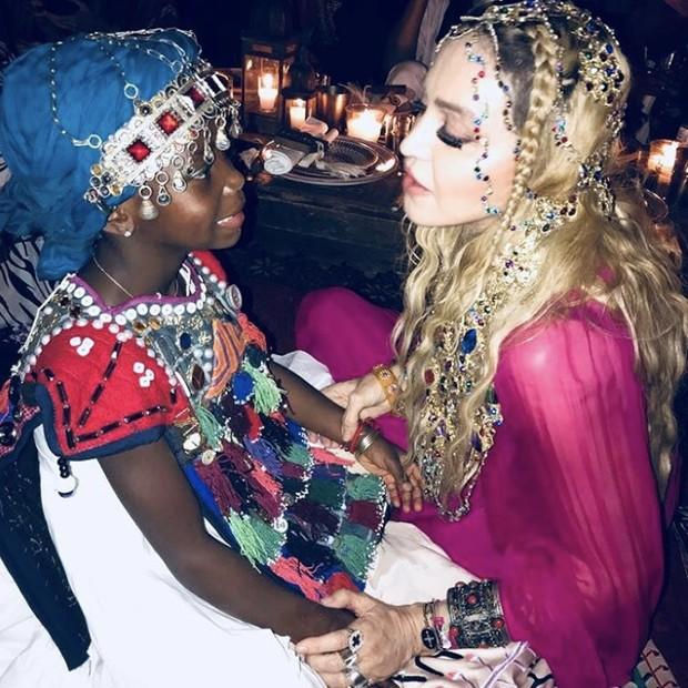 Madonna e Esther (Foto: Reprodução/Instagram)