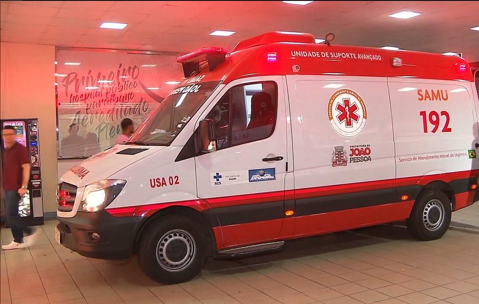 Vítimas precisaram ser levadas pelo Samu ao Hospital de Emergência e Trauma de João Pessoa — Foto: Reprodução/TV Cabo Branco