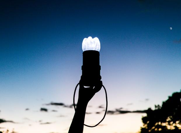 A Litro de Luz é uma organização responsável por levar energia sustentável a áreas de difícil acesso ao redor do mundo (Foto: Divulgação)