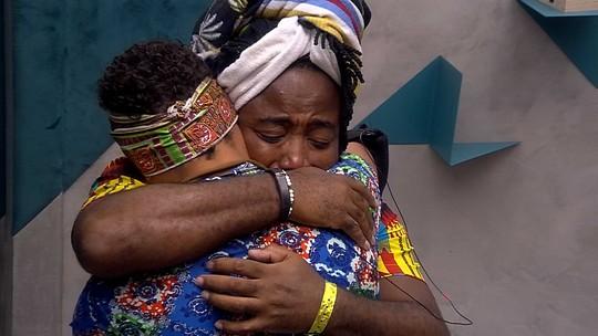 Danrley e Rodrigo choram abraçados em dia de Eliminação