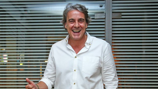 Alexandre Borges se identifica com Aparício e diz que lava, passa e cozinha: 'Até que mando bem!'