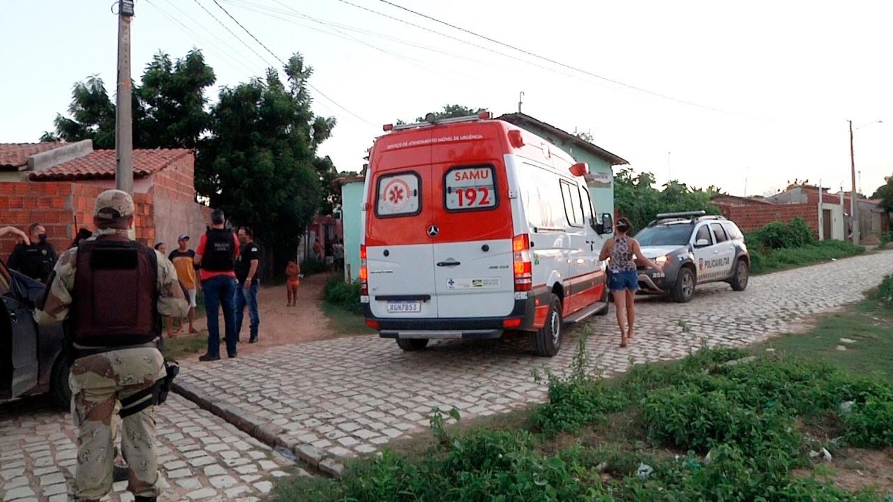 Trio tenta assaltar viatura descaracterizada da Polícia Civil em Mossoró, troca tiros com policiais e um suspeito morre