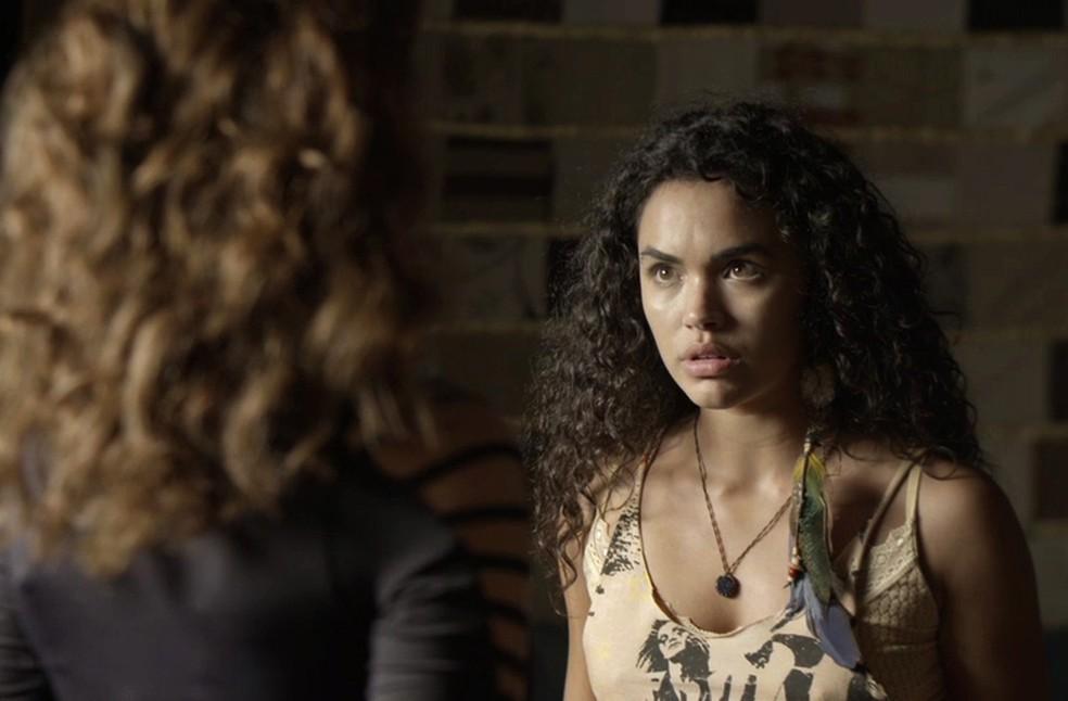 Cleo se acerta com Leandra (Foto: TV Globo)