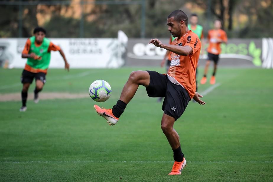 Atacante de R$ 9 milhões, Clayton é cedido outra vez pelo Atlético-MG, mas com planos para voltar