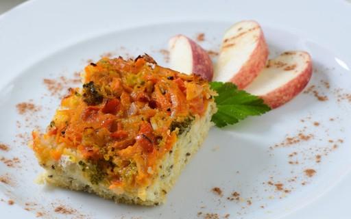 Pizza caseira fit de atum é opção de jantar rápido e saudável