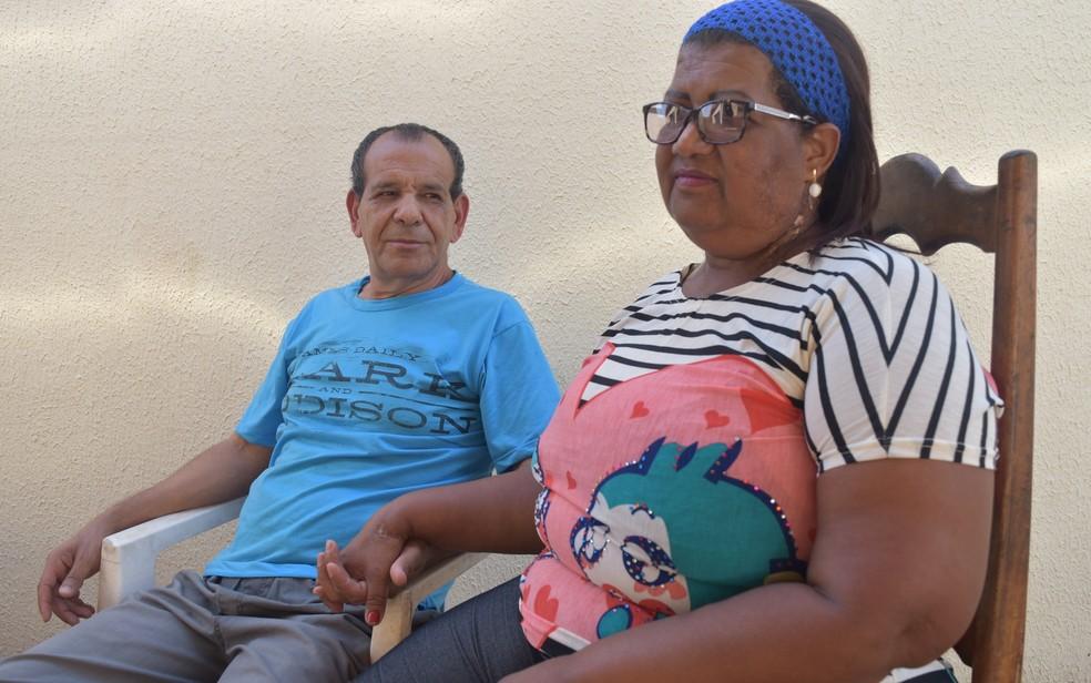 Kardec e Luiza Odet se consideram sobreviventes e lidam juntos com as consequências da tragédia com o césio-137 (Foto: Paula Resende/ G1)