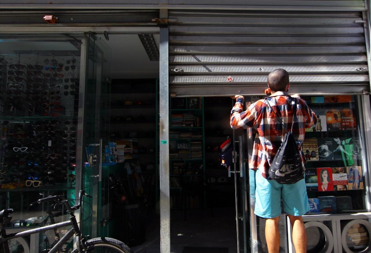 Baixada Santista soma 9,5 mil desempregados durante pandemia e região segue em alerta máximo