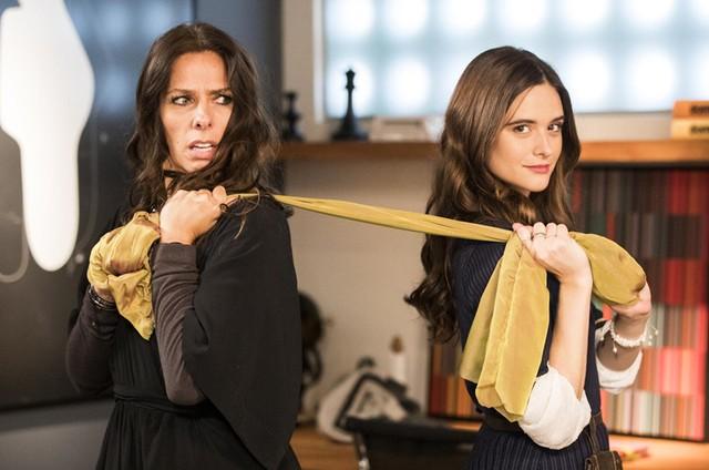 Adriane Galisteu e Juliana Paiva em 'O tempo não para' (Foto: Victor Pollak/TV Globo)