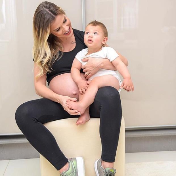Andressa Suita com o filho Gabriel (Foto: Reprodução / Instagram)