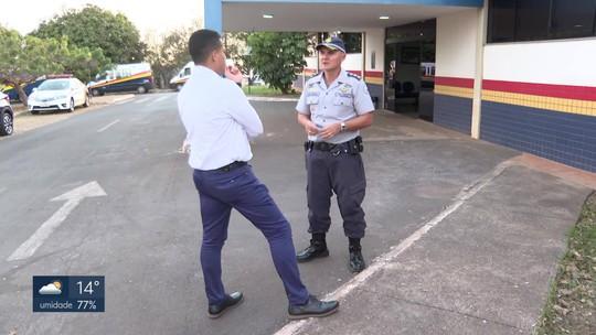 Postos da PM são fechados para que policiais façam patrulhamento nas ruas