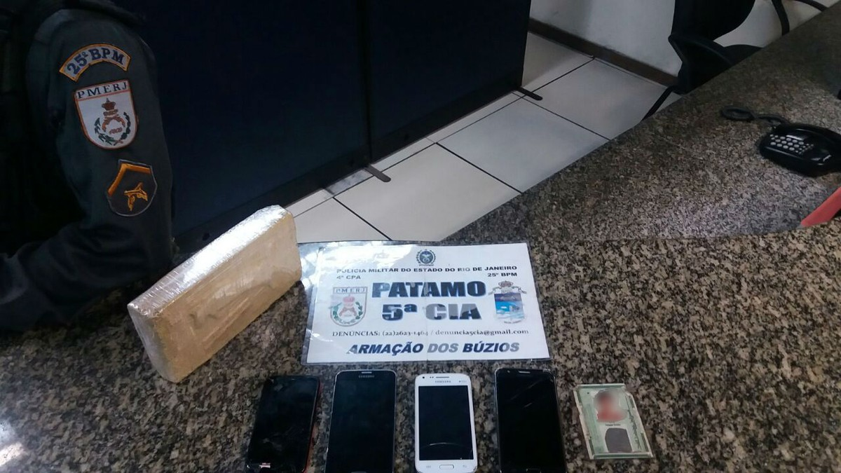 Homens são detidos com drogas em Armação dos Búzios, no RJ