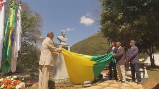 Busto em homenagem a Princesa Isabel é inaugurado em aniversário de Caxambu