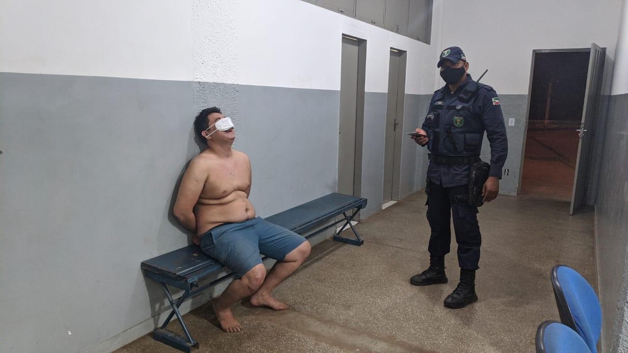 Médico é detido ao bater carro em muro e diz aos policiais que havia usado drogas em MT